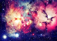 Φωτεινός γαλαξίας στο βαθύ διάστημα στοκ φωτογραφίες με δικαίωμα ελεύθερης χρήσης