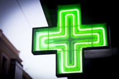 Φωτεινός πράσινος σταυρός στοκ φωτογραφίες με δικαίωμα ελεύθερης χρήσης