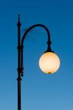 Φωτεινός σηματοδότης επάνω στο λυκόφως Στοκ φωτογραφία με δικαίωμα ελεύθερης χρήσης