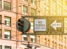 Φωτεινός σηματοδότης και καμία στροφή Στοκ φωτογραφία με δικαίωμα ελεύθερης χρήσης