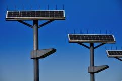 Φωτεινός σηματοδότης της φωτοβολταϊκής ηλεκτρικής παραγωγής Στοκ φωτογραφία με δικαίωμα ελεύθερης χρήσης