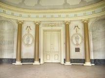 Φωτεινό εσωτερικό του αρχαίου κτηρίου Στοκ φωτογραφία με δικαίωμα ελεύθερης χρήσης