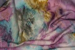 Φωτεινό πολύχρωμο ύφασμα Στοκ εικόνα με δικαίωμα ελεύθερης χρήσης