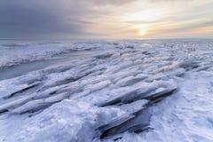 Φωτεινό χειμερινό τοπίο στοκ εικόνες