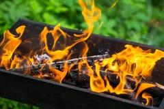 Φωτιά στον ορειχαλκουργό Στοκ εικόνες με δικαίωμα ελεύθερης χρήσης