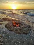 Φωτιά at High Tide Στοκ εικόνα με δικαίωμα ελεύθερης χρήσης