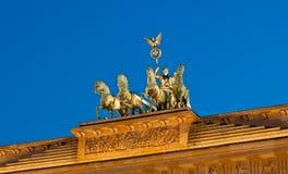 Φωτισμένη κορυφή σκαπανών Brandenburger το βράδυ Στοκ φωτογραφίες με δικαίωμα ελεύθερης χρήσης