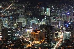 Φωτισμένη πόλη της Σεούλ στοκ εικόνα με δικαίωμα ελεύθερης χρήσης