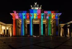 Φωτισμένη πύλη του Βραδεμβούργου Στοκ εικόνες με δικαίωμα ελεύθερης χρήσης