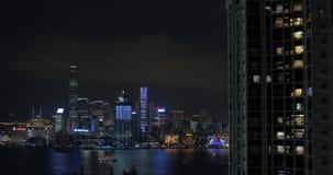 Φωτισμένος κεντρικός του Χονγκ Κονγκ τη νύχτα απόθεμα βίντεο