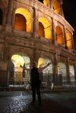 Φωτισμένο η Ιταλία Colosseum τη νύχτα Στοκ φωτογραφίες με δικαίωμα ελεύθερης χρήσης