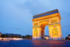 Φωτισμένο τόξο de Triomphe στο Παρίσι, Γαλλία Στοκ Εικόνα
