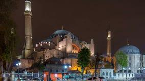 Φωτισμένο Hagia Sophia timelapse - αρχαίος ορθόδοξος ναός στη Ιστανμπούλ φωτισμένος στο λυκόφως απόθεμα βίντεο