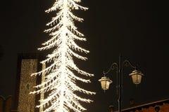 Φωτισμοί και χιονισμένοι φωτεινοί σηματοδότες στο Βιτσέντσα στοκ εικόνες