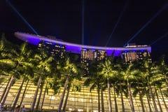 Φωτισμοί κόλπων μαρινών της Σιγκαπούρης τη νύχτα στοκ φωτογραφία με δικαίωμα ελεύθερης χρήσης