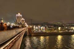 Φωτισμοί στη γέφυρα Bolshoy Moskvoretsky στοκ φωτογραφία με δικαίωμα ελεύθερης χρήσης