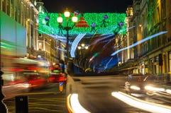Φωτισμοί Χριστουγέννων στην οδό αντιβασιλέων, Λονδίνο στοκ φωτογραφίες με δικαίωμα ελεύθερης χρήσης