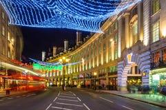 Φωτισμοί Χριστουγέννων στην οδό αντιβασιλέων, Λονδίνο στοκ φωτογραφίες