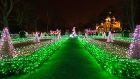 Φωτισμοί Χριστουγέννων στο πάρκο σε Wilanow στοκ εικόνα με δικαίωμα ελεύθερης χρήσης