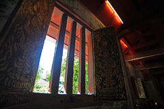 Φωτισμός και σκιά στο ubosot Wat Phra Σινγκ Στοκ φωτογραφία με δικαίωμα ελεύθερης χρήσης