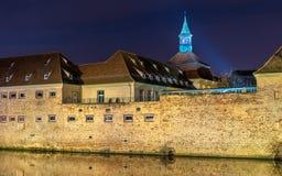 Φωτισμός νύχτας της διοίκησης Ecole Nationale δ ` στο Στρασβούργο, Γαλλία στοκ εικόνες