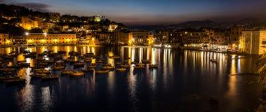 Φωτισμός στον κόλπο της σιωπής, Λιγυρία, Ιταλία στοκ εικόνα