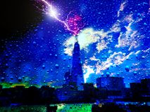 Φωτισμός στον ουρανό πέρα από το Λονδίνο στοκ φωτογραφία με δικαίωμα ελεύθερης χρήσης
