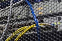 Φωτισμός των πίσω οδηγήσεων πλευράς χρωματισμένος κέντρο δεδομένων Στοκ εικόνα με δικαίωμα ελεύθερης χρήσης