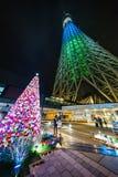 Φωτισμός Τόκιο άποψης νύχτας της Ιαπωνίας στοκ φωτογραφία