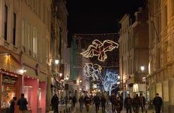Φωτισμός Χριστουγέννων που αντιπροσωπεύει τους διάσημους αστερισμούς Στοκ φωτογραφία με δικαίωμα ελεύθερης χρήσης