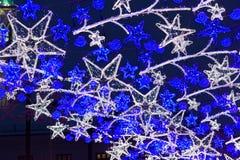 Φωτισμός Χριστουγέννων στις οδούς στοκ φωτογραφία