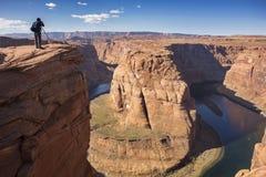 Φωτογράφος και πεταλοειδής σελίδα Αριζόνα ποταμών του Κολοράντο κάμψεων στοκ φωτογραφίες με δικαίωμα ελεύθερης χρήσης