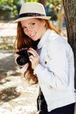Φωτογράφος κοριτσιών της Νίκαιας στην εργασία Στοκ Φωτογραφίες