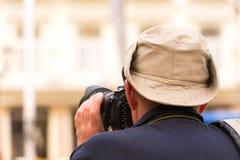 Φωτογράφος σε ένα καπέλο, Αβάνα, Κούβα Κινηματογράφηση σε πρώτο πλάνο Στοκ φωτογραφία με δικαίωμα ελεύθερης χρήσης
