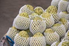 Φωτογραφία αποθεμάτων μήλων κρέμας στη φρέσκια αγορά Στοκ Εικόνες