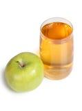 Apple και ποτήρι του χυμού Στοκ φωτογραφία με δικαίωμα ελεύθερης χρήσης