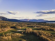 Φωτογραφία κηφήνων ενός ήρεμου ηλιόλουστου βραδιού φθινοπώρου στην αρίθμηση της Νορβηγίας στοκ εικόνες