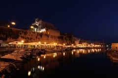 Φωτογραφία νύχτας Ciudadela de Menorca στοκ εικόνες