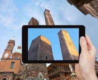 Φωτογραφία οφειλόμενου Torri (πύργος δύο) στη Μπολόνια, Ιταλία Στοκ εικόνα με δικαίωμα ελεύθερης χρήσης