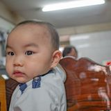 Φωτογραφία πορτρέτου Cutie και του όμορφου ασιατικού αγοριού στοκ εικόνες