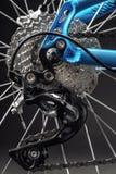 Φωτογραφία ποδηλάτων βουνών στο στούντιο, ρόδα ποδηλάτων με τα φρένα δίσκων, μέρος ποδηλάτων στοκ εικόνες με δικαίωμα ελεύθερης χρήσης