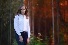 Φωτογραφία πριν και μετά από τη διαδικασία έκδοσης εικόνας 15 woman young Στοκ Φωτογραφίες