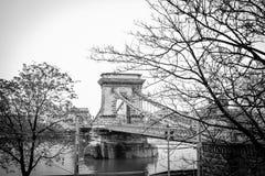 Φωτογραφία στην άσπρη και μαύρη γέφυρα της Βουδαπέστης Στοκ φωτογραφία με δικαίωμα ελεύθερης χρήσης