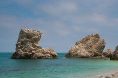 Φωτογραφία της παραλίας δύο αδελφών (Spiaggia delle οφειλόμενο Sorelle), Monte Conero Στοκ Φωτογραφία