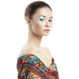 Φωτογραφία της όμορφης νέας γυναίκας. Εκλεκτής ποιότητας ύφος στοκ εικόνα με δικαίωμα ελεύθερης χρήσης