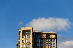 Φωτογραφία του κτηρίου με τα παράθυρα Στοκ εικόνες με δικαίωμα ελεύθερης χρήσης