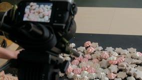 Φωτογραφία τροφίμων παρασκηνίων που παίρνει το χώρο εργασίας φωτογραφιών απόθεμα βίντεο