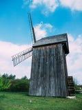 Φωτογραφία των παλαιών ξύλινων μύλων στοκ φωτογραφία