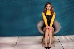 Φωτογραφία ύφους μόδας της όμορφης νέας γυναίκας στοκ εικόνες με δικαίωμα ελεύθερης χρήσης