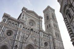 Φωτογραφία Duomo Di Firenze που λαμβάνεται σε ένα ηλιόλουστο πρωί Στοκ Φωτογραφίες